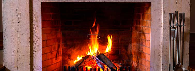 Maintenance Chimney Tips for a Cozy Fireplace